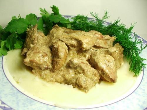 Приготовить куриную печень со сметаной