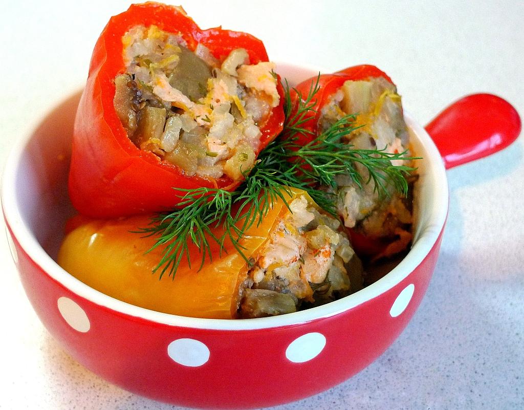 фаршированные перцы с фаршем и рисом рецепт в мультиварке с фото пошагово