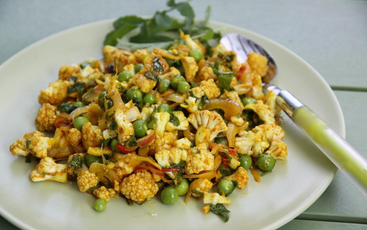 рецепты салат из сырой цветной капусты
