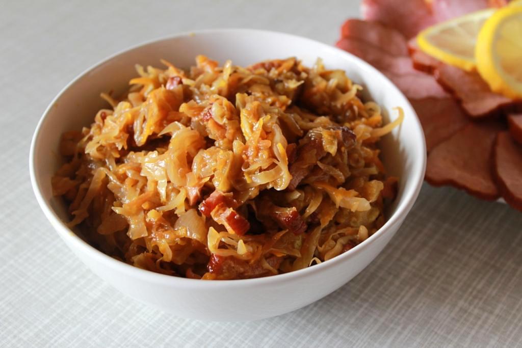 Тушить мясо с капустой в мультиварке