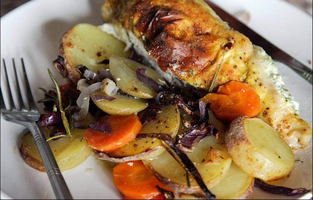 Рецепт запеченной куриной грудки с овощами в духовке с пошагово