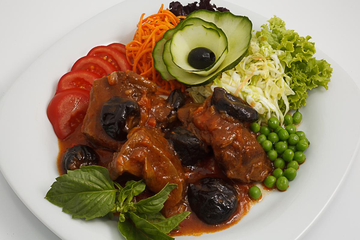 говядина с черносливом рецепты с фото в мультиварке