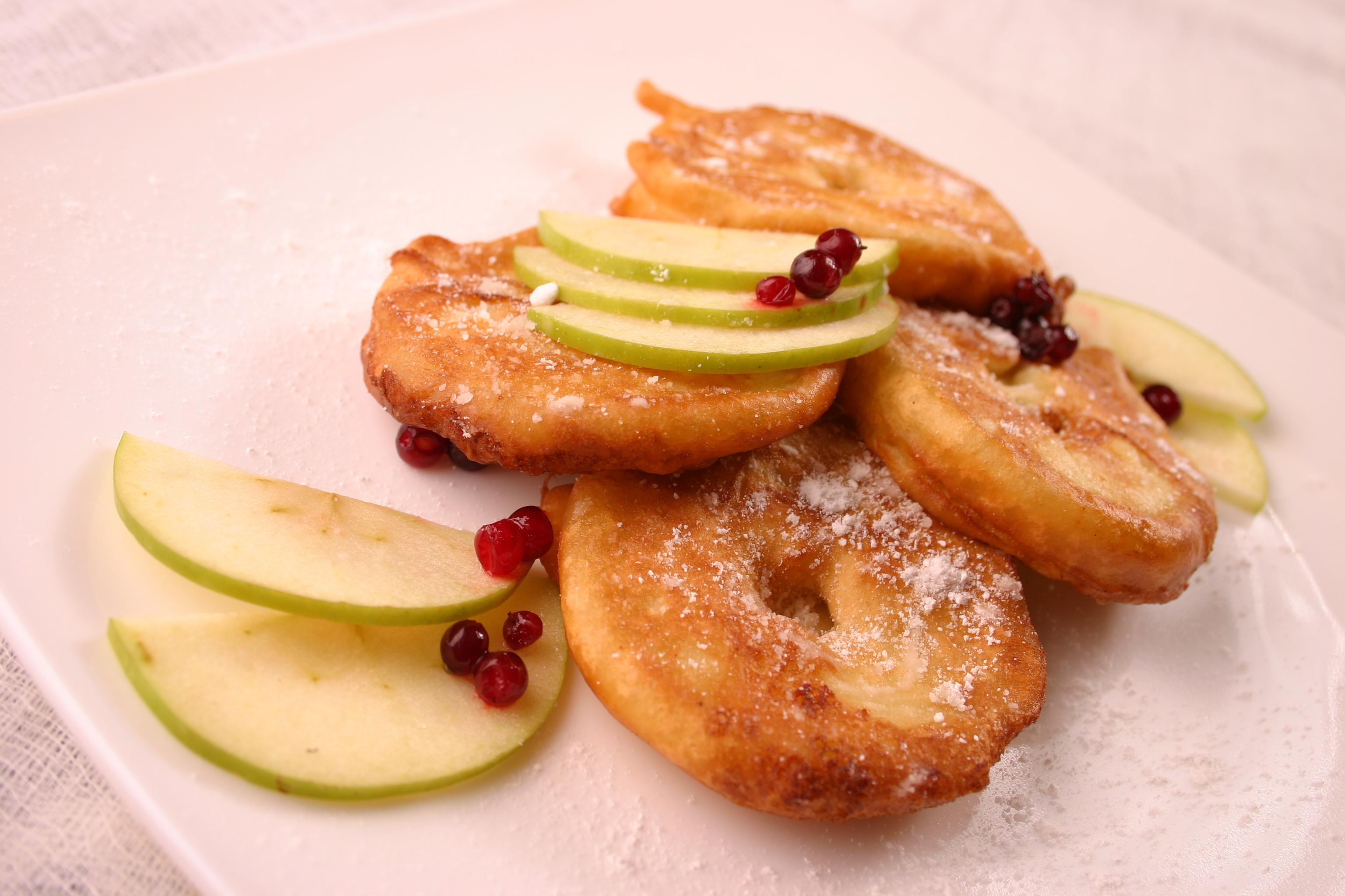 Блюда из яблок в мультиварке