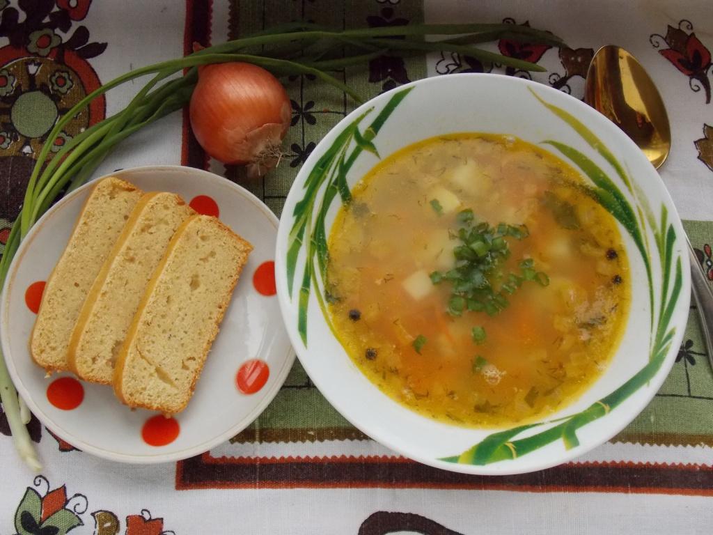 в школьной столовой можно взять щи борщ грибной суп