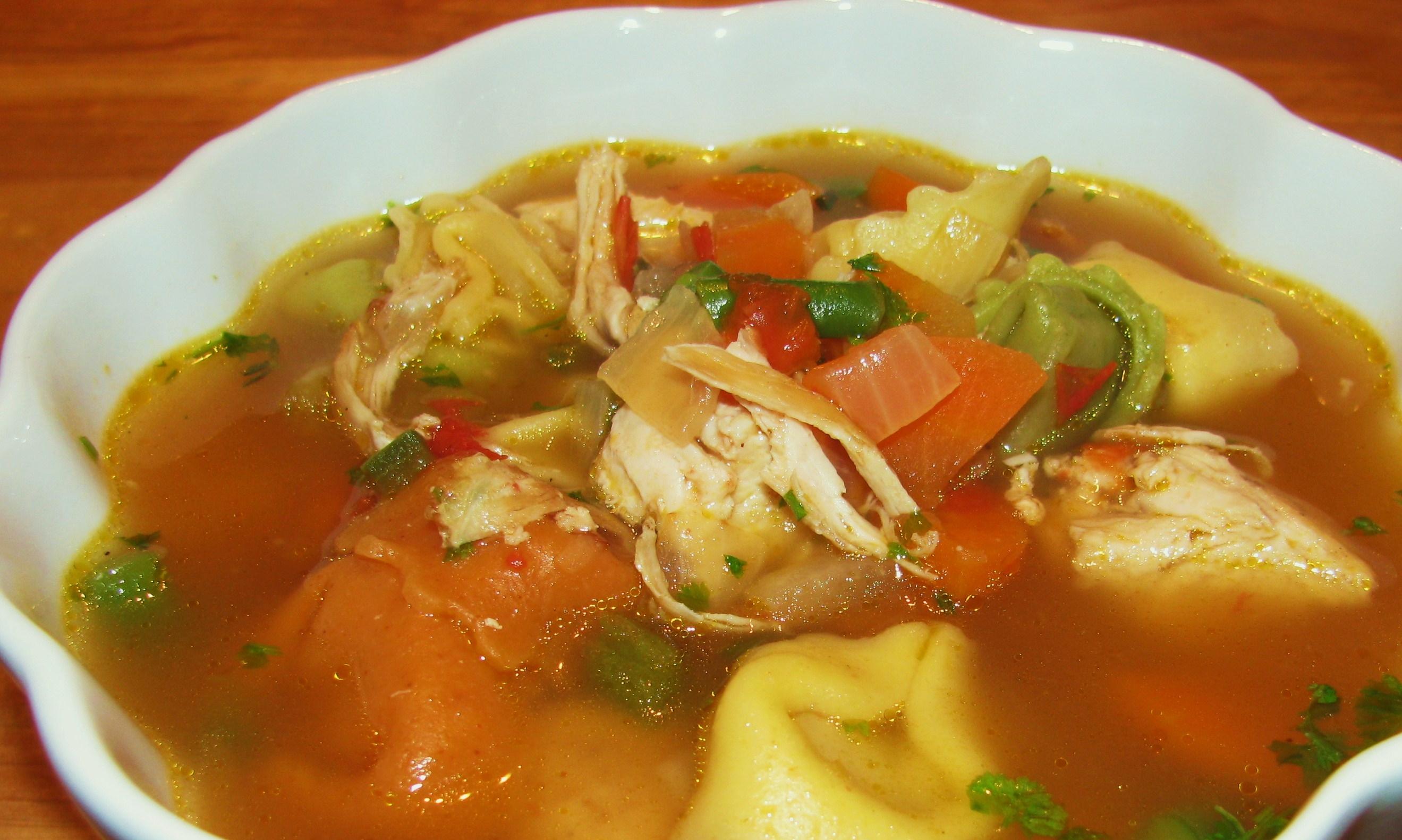 Куриный суп из грудки с клецками