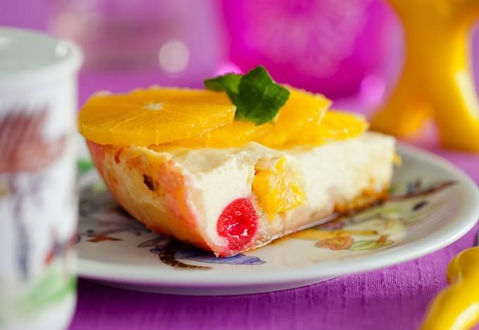 Запеканка из творога с фруктами и ягодами