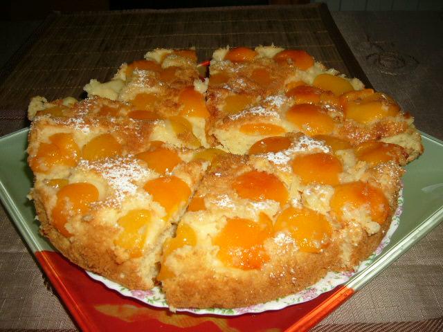 Рецепт пирога с консервированными абрикосами с