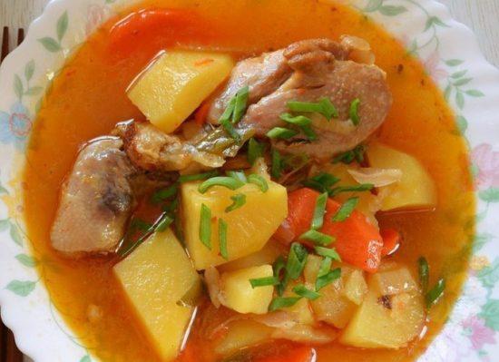 как приготовить тушеную картошку с курицей вкусно