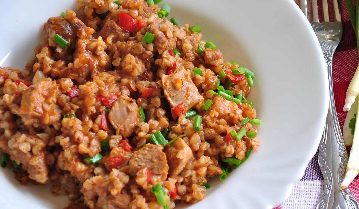 Гречка с мясом и овощами в мультиварке рецепт с фото