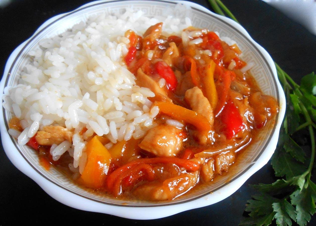 курица с рисом и овощами в мультиварке