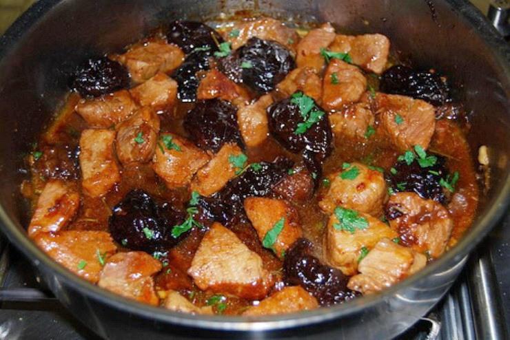 картошка с мясом тушеная с черносливом