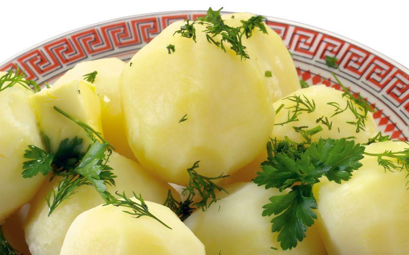Сварить картофель в мультиварке