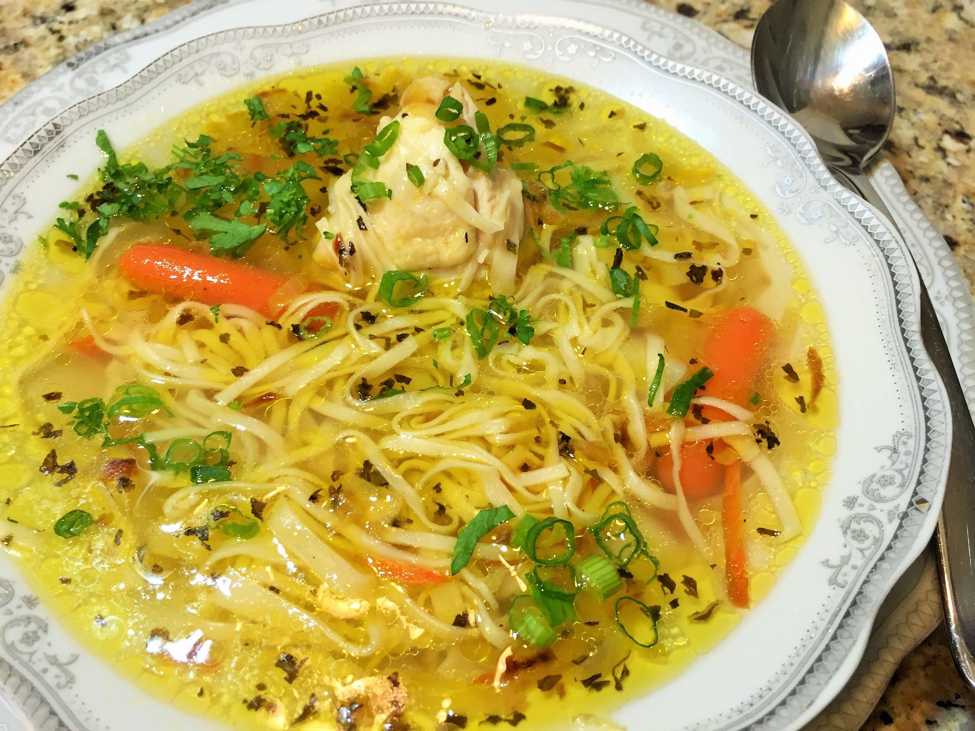 куриный суп с вермишелью с грибами