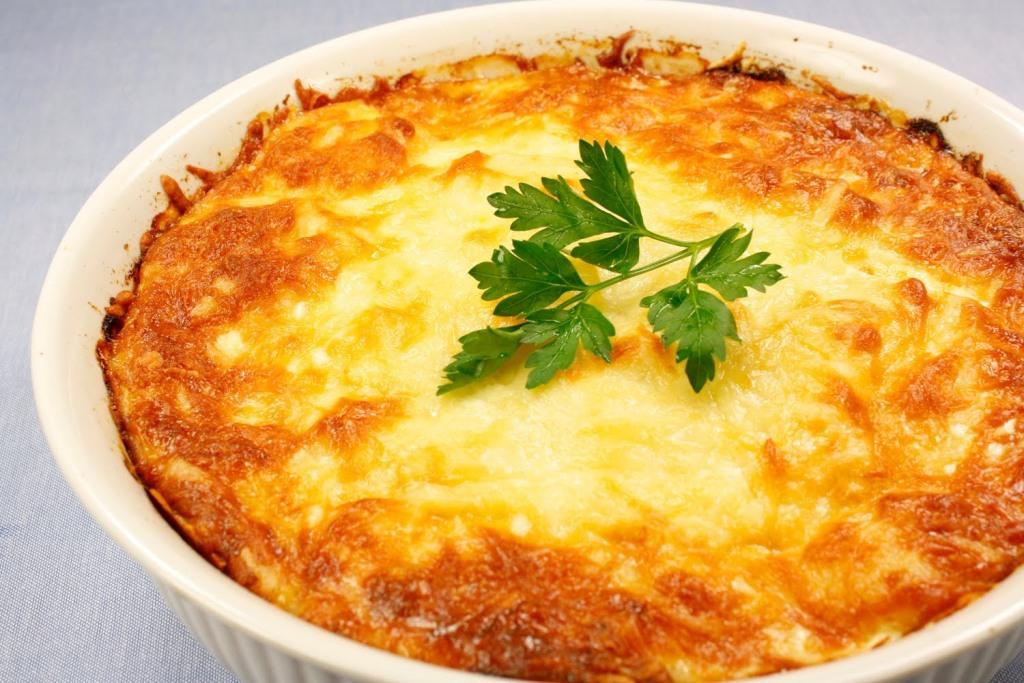 Как приготовить запеканку из фарша и картофеля с сыром