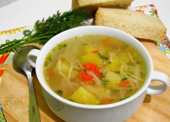 видео как приготовить куриный суп с вермишелью и картошкой