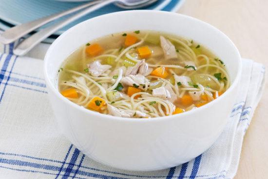 сырный суп с лапшой и курицей