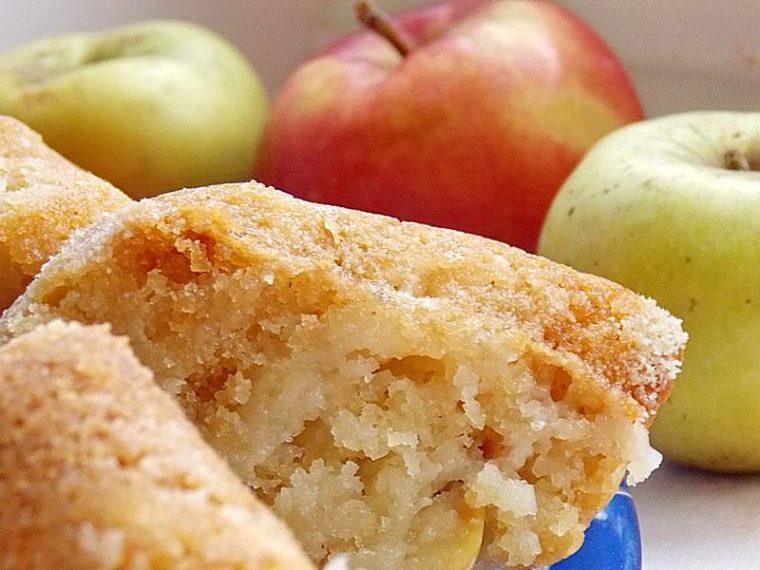 Манник с яблоками с фото на молоке