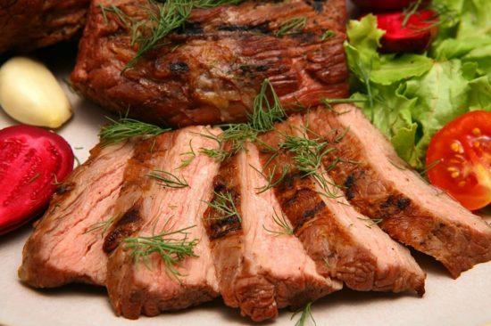 Запечь кусок свинины в духовке