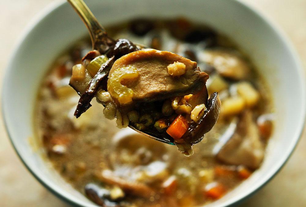 как сварить грибной суп из сушеных грибов с перловкой