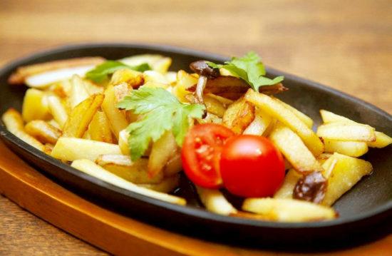 Картошка с лисичками жареная рецепт с пошагово в 196