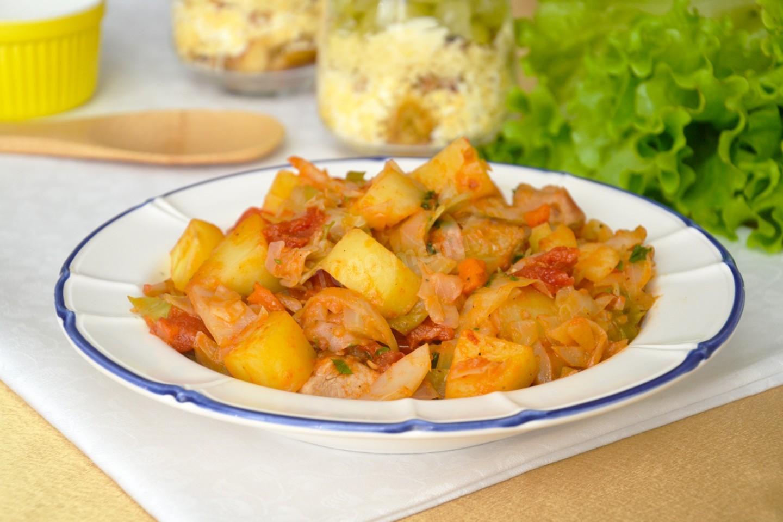 Капуста тушеная с рисом и картошкой рецепт