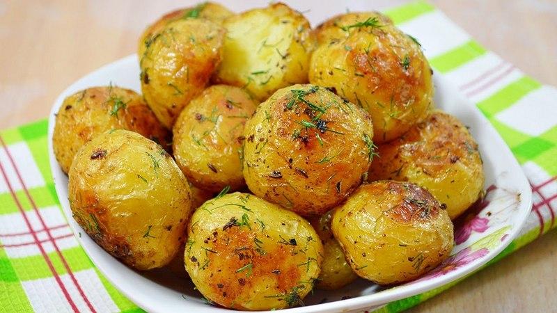 Картошка целая в мультиварке
