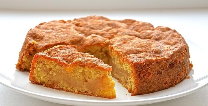 заливной яблочный пирог в мультиварке