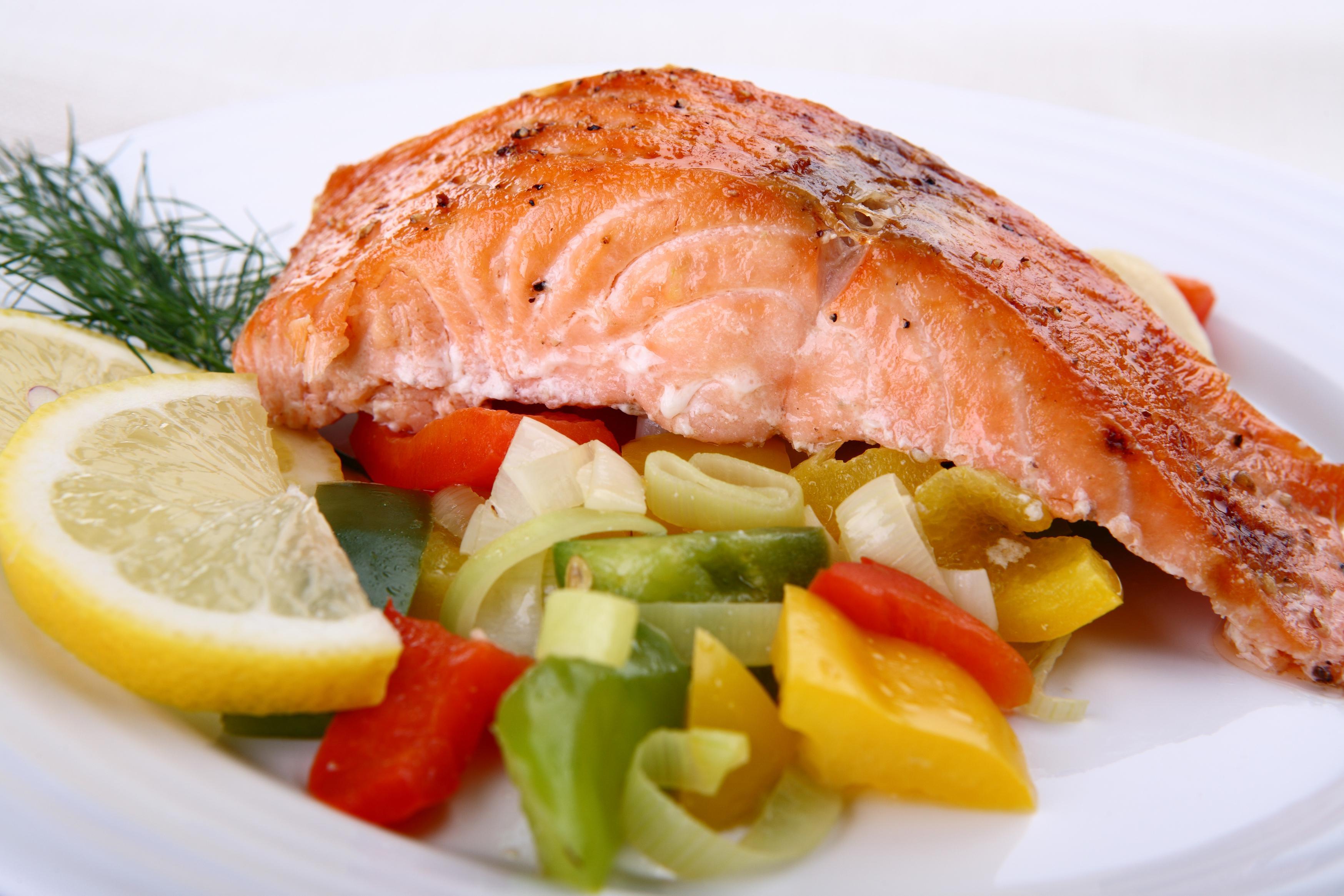Как приготовить рыбу на пару с картофелем в мультиварке #8